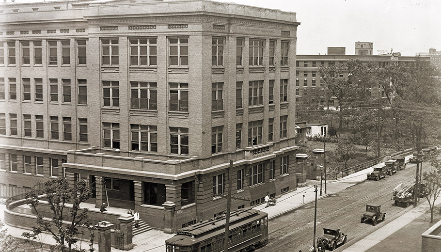 West/Clinics Building on Euclid Ave., 1926.