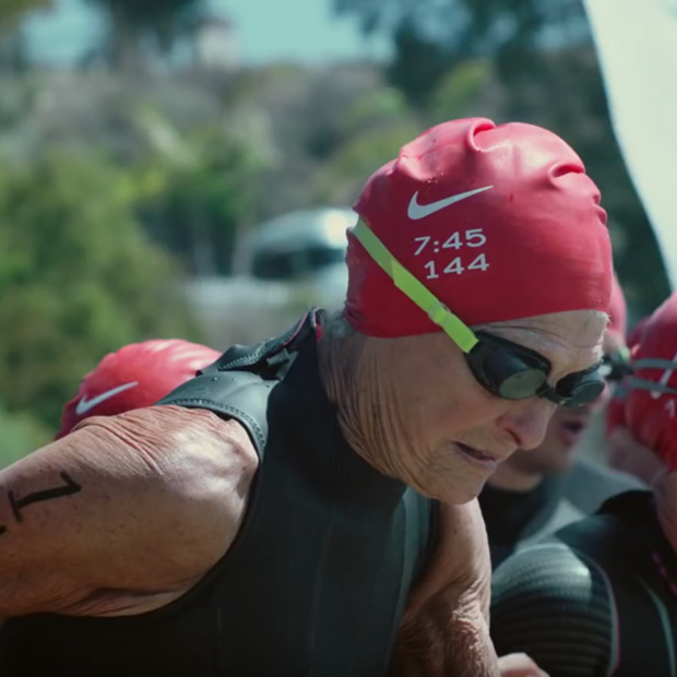 Sister Madonna Buder in Triathalon