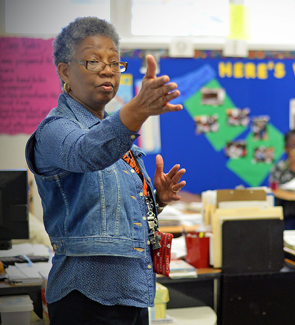 Teacher speaking to a class at Jennings Elementary School