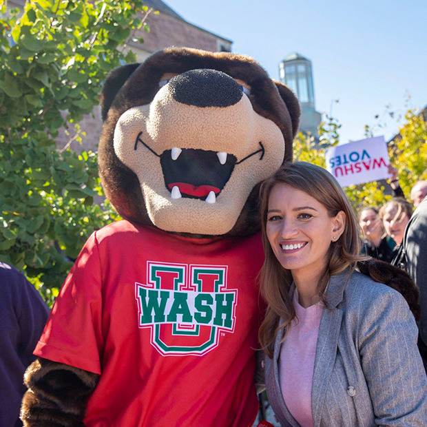 Katy Tur with WashU mascot bear